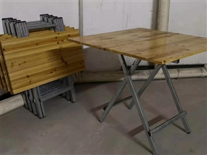 【二手市场】低价出售二手夜市小方桌几套,低价甩买!