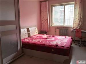 福华里三楼100平米两室家具家电齐全