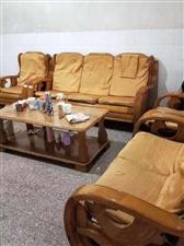 龙湖套房出售103平中等装修3室2厅79万元