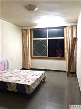 九龙桂附近,民房单间3楼,卫生间阳台公用,有热水