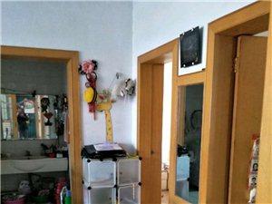 怡馨苑3室2�d1�l130�f元