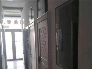 出租:三合家园商服,一二楼代地下室,已装修