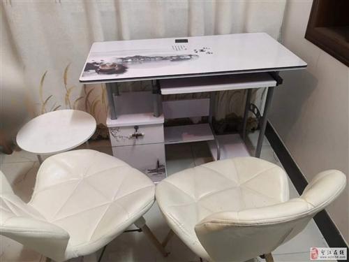 出售8成新桌椅一套