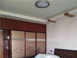 地王大厦3室2厅2卫120万元