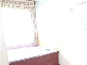 █九中北校南,2楼3居室,带小房,月租1000元
