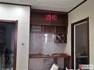 至尊门第3室2厅2卫1500元/月带全套家具家