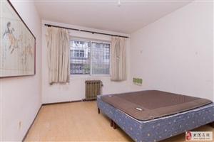 世纪花园一楼三室132平简单装修无贷款看房有钥匙
