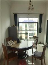 琼海市一小3室2厅2卫年租2300元/月