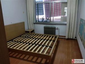 一小家属院3室2厅1卫1200元/月