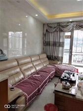 大华绿洲3室2厅2卫220万元