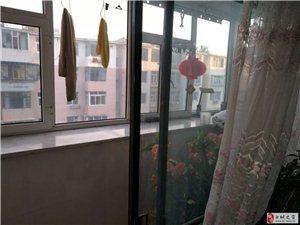 白鹤小区2室2厅1卫1300元/月