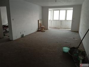 金山花园3室2厅2卫78万元