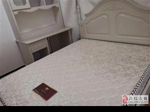 金庭水岸4室2厅2卫3500元/月