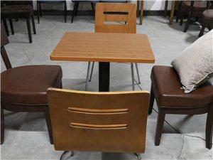 低价出售二手餐饮店、便利店小方桌椅一套,
