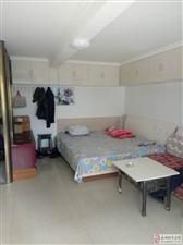 康泰御园1室1厅700元/月