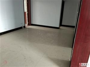 九龙新区3室2厅2卫78万元可按揭