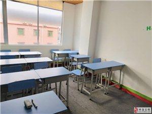 全新课桌和椅子,9成新办公台和椅子。