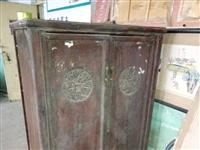 民国老橱柜一个,保存完好,正常使用