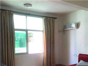 永辉附近,3楼单间有两间,卫生间合同,有床,空调