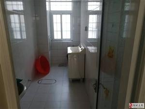 燕京花园3室2厅2卫86万元