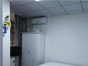 电梯房?#39057;?#24335;公寓1室1厅1卫1400元/月