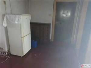 三室二厅一厨一卫位于大十字人大餐厅&#65039附近