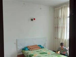 陵园社区4室1厅2卫2000元/月
