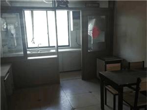 滨江二期多层三楼,精装修,家具家电齐全,拎包即住
