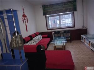 急租,荟萃小区2室1100元/月,邻学校
