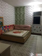 3室1厅1卫420元/月