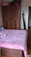 大学城2室1厅2卫2200元/月