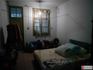 一高家属院2室1厅1卫33万元