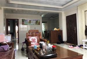东城丽景3室2厅2卫130万元