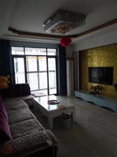 凤凰城3室2厅2卫120万元