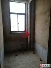 金泰翡翠华庭3室2厅2卫93万元