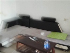 城西莲花小区(莲花垅马路对面)4楼135平,3室2厅2卫