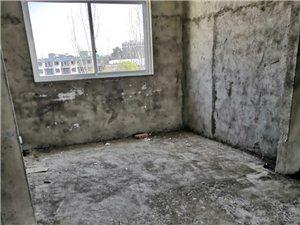 兴隆路自建房(自建)3室2厅2卫46万元