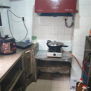龙湖学区房,临近菜市场,中等装修,带6平方煤间