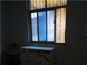 新新开发区独家小院双证8室2厅3卫60万元