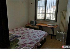 新港假日3室2厅1600元/月