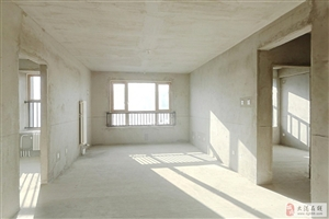 星河洋房大三室,一梯两户满两年,带地下车位+前后小院