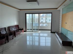 天山花园4室2厅2卫1200元/月