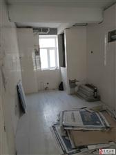 云门山花园2楼94平2室 带储藏室车库75万