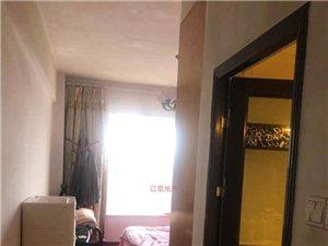 龙景尊府3室2厅2卫2600元/月