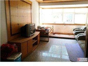 鸿润都市华庭3室2厅1卫1200元/月