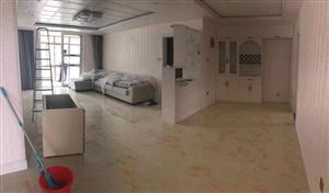 皇家翰林3室2厅2卫90万元满五