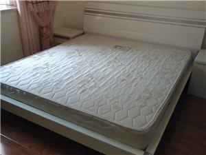 九天家私一米八大床和半自动洗衣机转让
