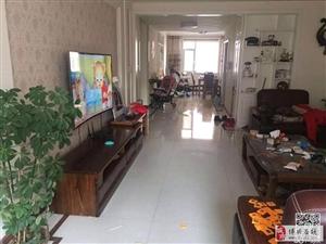 怡和名士豪庭3室2厅2卫173万元