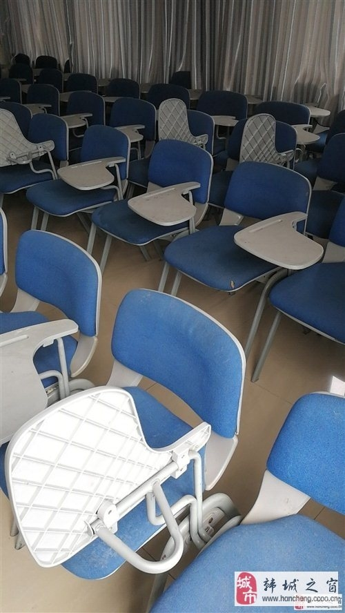 現出售一批藍色靠背椅