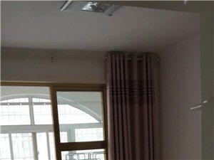 宏基王朝3室2厅2卫1300元/月